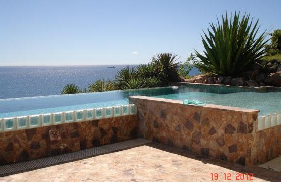 For Rent In Calypso Bay: 4 Bedroom Villa